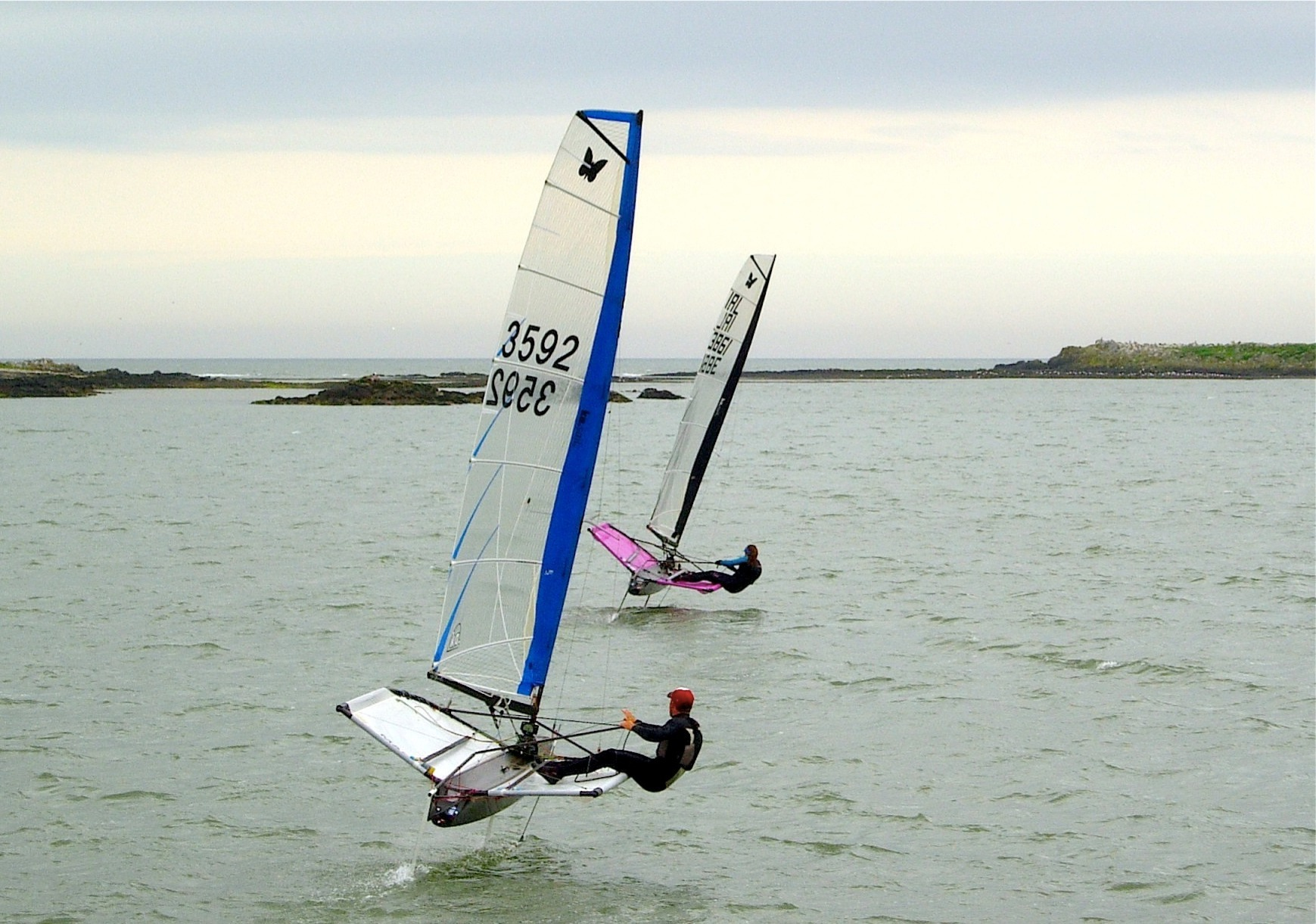 NYC sailors Rory Fitzpatrick (3592) and Annalise Murphy race towards the Thulla Rocks